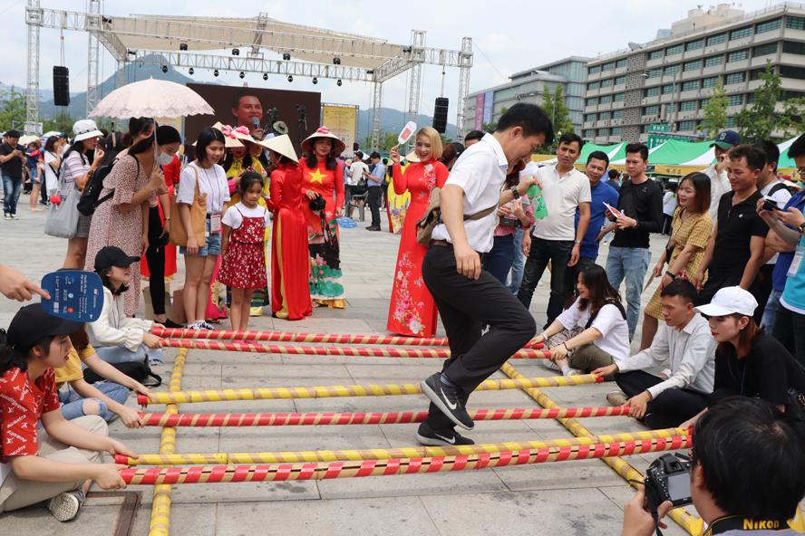 Giao lưu văn hóa Việt Nam - Hàn Quốc (hình minh họa)